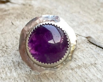 Unique Elegant Hammered Round Purple Amethyst Sterling Silver Ring
