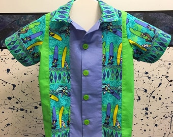 Boys size 4 Disney surfing themed bowling style shirt mickey donald duck goofy