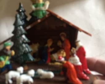 Vintage Chritmas Manger Scene With Box Plastic