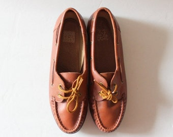 50% half off sale // Vintage 90s Natural Sport Boat Shoes // Whiskey Brown Leather // Women 7M