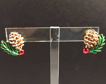 CHRISTMAS JEWELRY - HOLIDAY Jewelry, Christmas Earrings, Holiday Earrings, Pine Cone and Holly Clip On Earrings, Small Earrings, Gold Tone