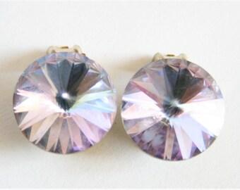 Vintage lilac glass earrings.  Clip on earrings.  Rivoli glass earrings.  Vintage jewellery