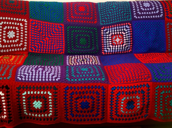 HUGE Ruby Red Vintage RETRO Granny Squares Blanket Afghan Sofa Throw