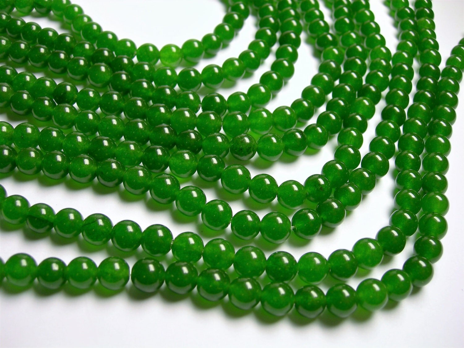 Jade - 8 mm round beads -1 full strand - 48 beads - color - green ...