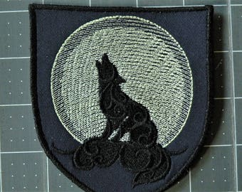 "Howling at the Moon Iron on Patch 4"" X 4.3"""