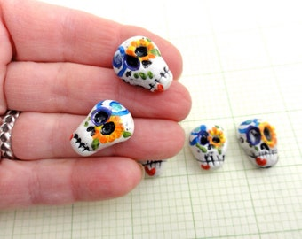 Day of the dead set of Skull beads, 5 pieces by Marie Segal 2016