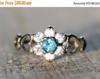 SALE10 Vintage Ladies Blue Topaz Cubic Zirconia Cluster Ring Engagement Hearts 9k 9kt 375 | FREE SHIPPING | Size N / 6.75