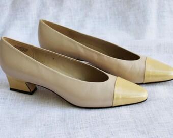 SALE! Vintage Heels Cream Womens Leather Etienne Aigner Size 8