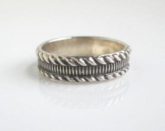 925 Sterling Silver Band Ring - Vintage Textured, Size 7