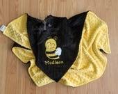 Personalized Minky Baby Blanket, Bee Personalized Baby Gift, Bee Appliqued Minky Baby Blanket, Bee Nursery, Bee Baby Blanket