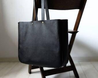 FOKS FORM Lea Bag 010, Minimal leather tote bag, handbag, shoulder bag, everyday leather shopper