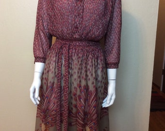 Vintage 1980s Muriel Ryan for Serbin Adorable sheer poly blend Peacock Dress!! Size Medium
