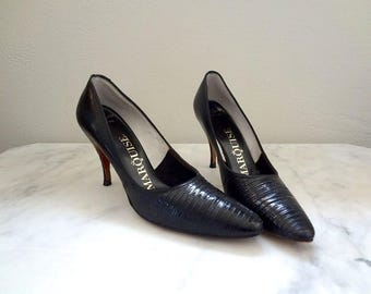 1950s Black Stiletto Heels - vintage reptile embossed pointy toe heels - bombshell pumps size 8 AAA