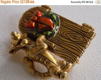 ON SALE Vintage signed Disney Winnie the Pooh at Christmas bedecked door brooch, collectible jewelry