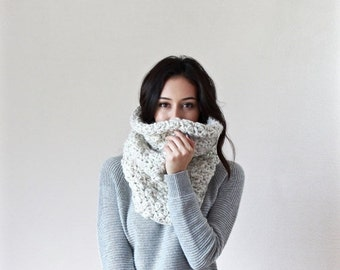 End of season SALE Chunky Knit Lace Cowl. Neckwarmer. Snood. circle scarf // Le Port - WHEAT