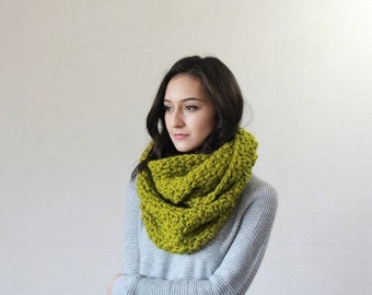 End of season SALE Chunky Infinity Scarf, wool Knit Textured Cowl  // The Bourdon - Lemongrass