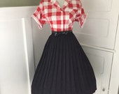 VINTAGE 1950s 1960s Black  Accordion Style Pleated Full Skirt