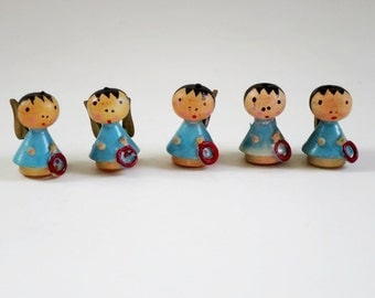 Vintage 3/4 inch Mini Angels, Hand Painted MCM Mini Wood Angels, Blue Holidays Christmas Putz House Supplies, Kawaii Miniature Angels