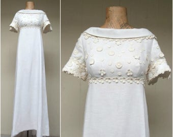 Vintage 1960s Wedding Dress / 60s Miss Betsy Mod White Linen Floral Applique Empire Bridal Gown / Small