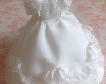 Ivory silk Victorian gown on mannequin 1/12th scale dollhouse miniature