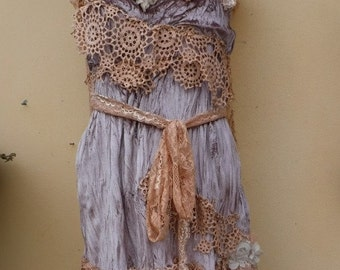 """20%OFF vintage bohemian gypsy velvet top with lace and shabby details.small to 34"""" bust...."""