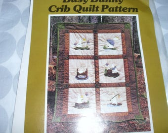 Busy Bunny Crib Quilt Pattern / Machine Applique Pattern / Your Truly / Circa 1979 / Crib Quilt Pattern / Full Size Patterns / Product #3911