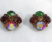 Vintage Weiss rhinestone gold clip on earrings costume jewelry