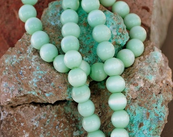 25 pcs 8mm Seafoam Green Opaque Cats Eye Round Glass Beads