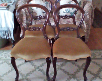 Victorian Mahogany Balloon Back Side or Dining Chairs Set of 4 In Great Condition