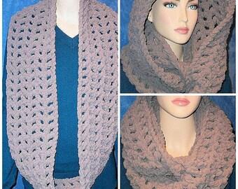Gray Crochet Infinity Scarf, Gray Chunky Infinity Scarf,Grey Plush Infinity Scarf, Grey Crochet Infinity Scarf, Chenille Scarf, Chunky Scarf