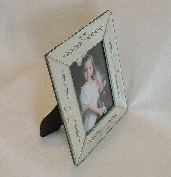 "Beveled Etched Mirrored Frame 5"" x 7"".. NIB New In Box"