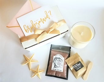Bath Gift Box with Scented Soy Candle, Facial Mask and Bath Salts Body Scrub