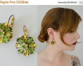 25% OFF SALE / 1950s vintage earrings / green rhinestone flower earrings