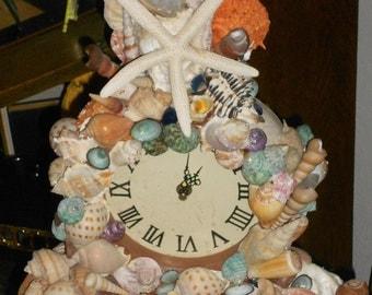 Arts &craft Handmade seashelled mantel clock with Roman numeral numbers