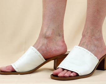 Andrew Geller White Leather Shoes * Open Toe Sandals * Chunky Heels * Leather Mules * Summer Shoes * Slip-on Shoes * Leather Slides