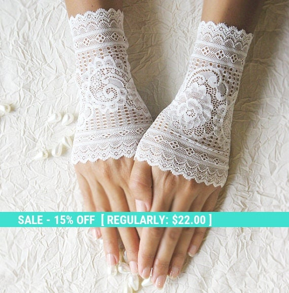 SALE! wedding lace gloves cuffs mittens ivory gloves 25% OFF free shipping