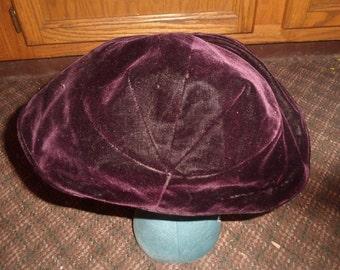 vintage ladies hat maroon velvet