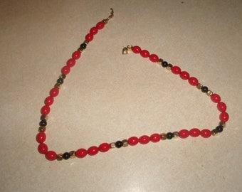 vintage necklace red black lucite goldtone napier