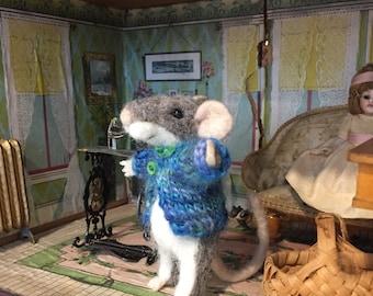 Felt Mouse, Needle Felted Gray Mice, Grey Felt Animal Collectible