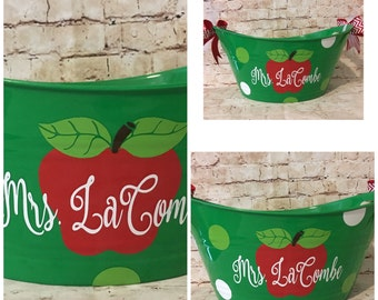 Personalized Apple Tub - Teacher Gift - Christmas Gift For Teacher - Green Bucket - Teacher Appreciation - Personalized Tub with Apple