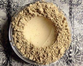 LIGHT #2 Foundation Miinerals Organic Vegan Gluten Free W/ jojoba oil, vitamin e, green tea