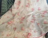 Reserve  SWelch ~~~~ Beautiful shabbily chic style duvet faded floral print pearl buttons twin/full pink homespun back 2 available buy 2 onl