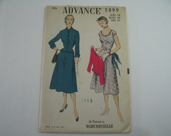 Advance 5899 // Size 16 // Bust 34