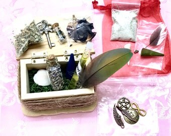 Witchcraft mini altar travel kit handmade wooden canvas box for protection, healing, luck, love, courage ritual baths green witch