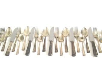 """Tarnished Silverware Set Holmes & Edwards """"Century"""" Urn, Service for 6, 4-pc Place Settings, Silverplate Flatware 1920s"""