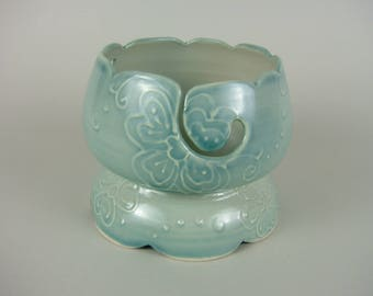 Hand Made Yarn Bowl with Feet / Footed Thrown Knitting Bowl / Ice Cream Bowl Style Yarn Bowl / Aqua Blue