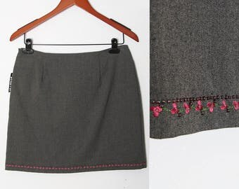 Vintage grey skirt with pink Trim