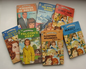 7 Vintage Harlequin Romance Books//1970s/60s//Vintage Paperback Romance Novels//Great Vintage Covers//Art Craft Supply//Collectible