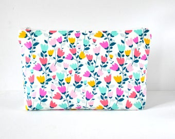 Woman's floral tulip print padded cosmetics beauty bag travel make up pouch mint green, coral pink and white flower XL extra large size.