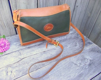 Vintage DOONEY & BOURKE Green Leather Crossbody Shoulder Messenger Bag - Clutch Handbag - Authentic All Weather Leather - Duck Fob
